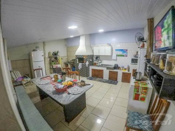 Casa De Alvenaria No Bairro Valparaíso, Contendo 03 Dormitórios, 02 Salas , 01 Banheiro, Cozinha E Garagem Para 2 Carros, Portão Eletrônico, Edícula Nos Fundos Com 02 Dormitório, Sala E Cozinha, Áre