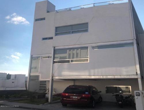 Casa En Venta En Milenio 3era Seccion, Queretaro, Rah-mx-20-1303