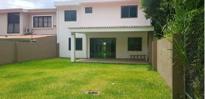 Casa En Venta En Condado Santa Elena A Estrenar