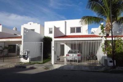 Casa Dúplex En Venta En Playa Del Carmen