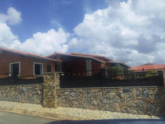 Town House En Venta Safari Gliomar Rodriguez Codigo 19-1193