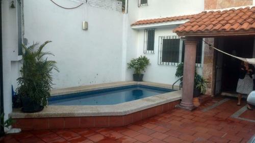 Casa En Fraccionamiento En Pedregal De Las Fuentes / Jiutepec - Est-1639-fr