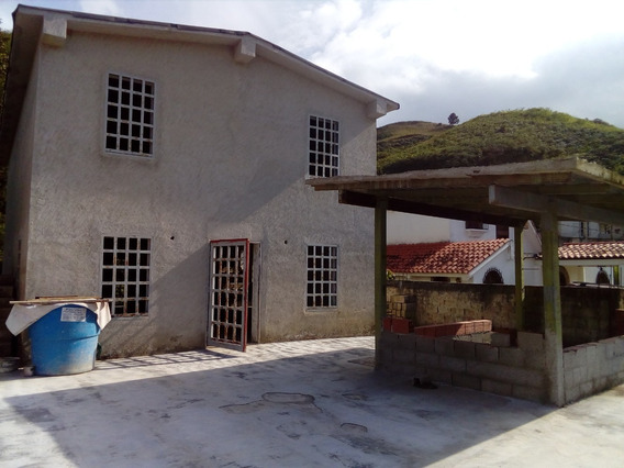 Best House Vende Casa En Obra Gris, En Valle Alto