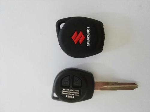 Forro Protector Suzuki Swift. (color: Rojo, Verde, Amarillo)