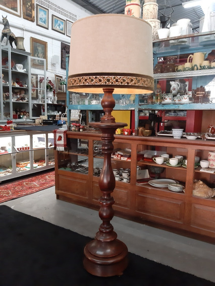 Antiga Luminária/abajur De Chão Em Madeira Maciça Torneada