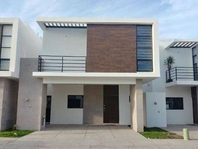 Casa Sola En Venta Los Arrayanes|fracc. Los Arrayanes