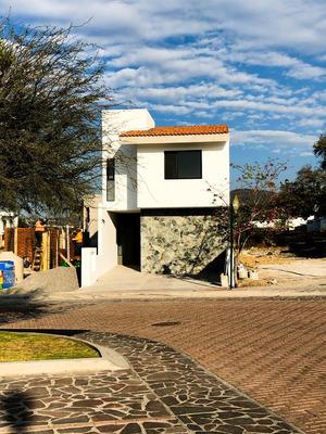 Casa Recámara Planta Baja - Pedregal De Schoenstatt