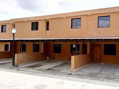 Townhouse En Pueblo Nuevo