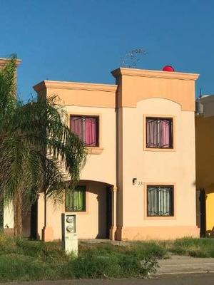 Se Vende Casa En Fraccto. Real De Sevilla.