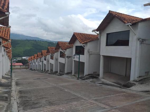 Casas Urb. Católica Suite