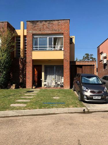 Casa En Solymar 3 Dormitorios 2 Baños Garaje