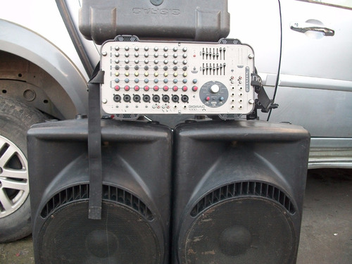 Consola Amplificada Soundcraft  Con Dos Cajas Pasivas