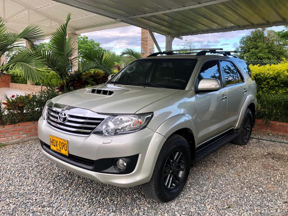 Toyota Fortuner Srv Plus Diésel At