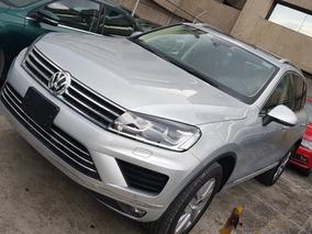 Volkswagen Touareg 3.0 V6 Tdi Gps 2017 Seminueva De Planta!