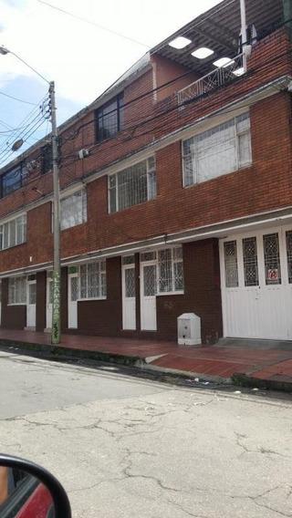 Casa-local En Venta En La Clarita Rentando Esquinera