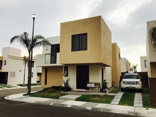 Casas En Corregidora En Renta