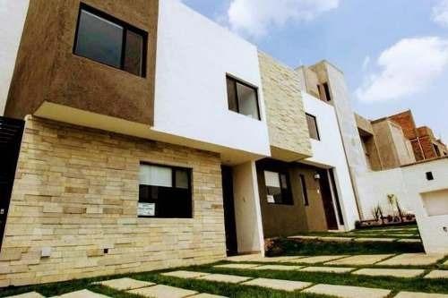 Hermosa Casa Amueblada En Venta Ubicada En Zibata !!