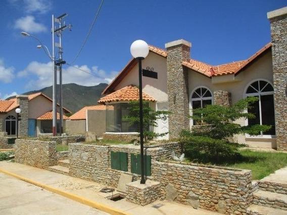 Casa 3 Habitaciones 2 Banos Isla Margarita 6m