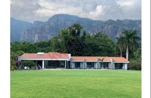 Residencia En Venta, Tepoztlán, Morelos, Nueva, Moderna, Un Nivel,