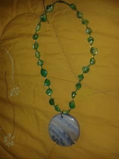 Collar En Nacar Con Medallon