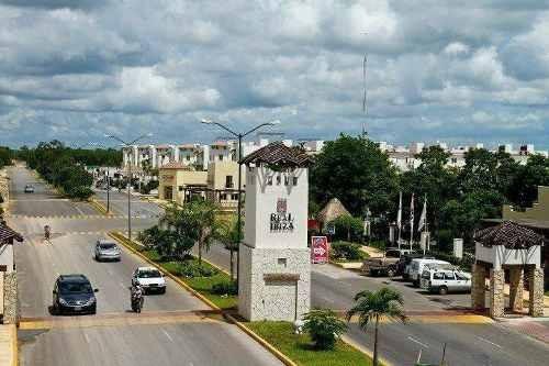 Avenida Del Ciruelo, Playa Del Carmen