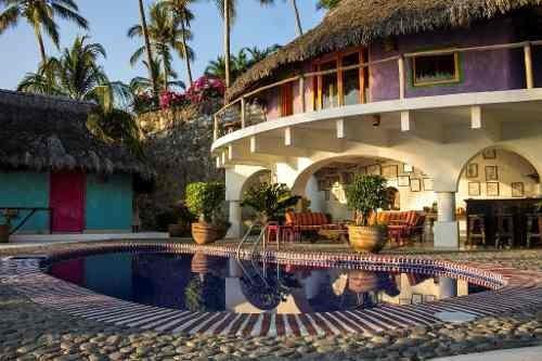 Espectacular Propiedad En Venta En La Punta, Manzanillo, Colima Pepe´s Hideaway