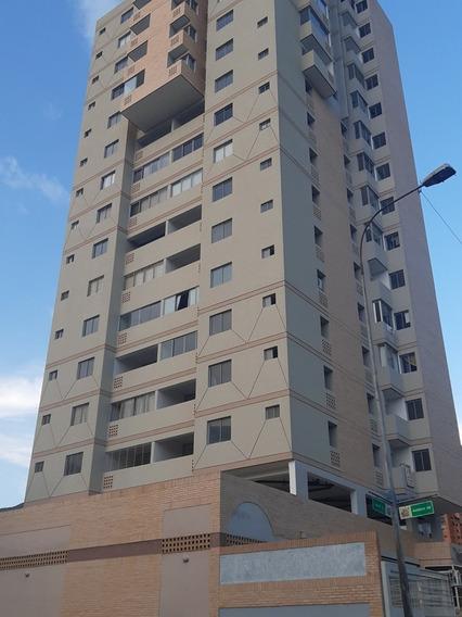 Saidy Rodríguez Alquila Pent House En Aria Foa-723