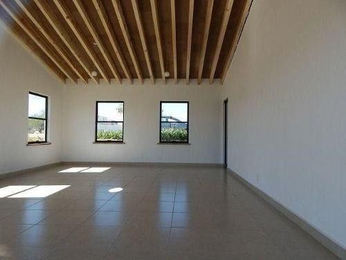 Casa En Ciudad Maderas, Roof Garden, 3 Recamaras, Alberca..