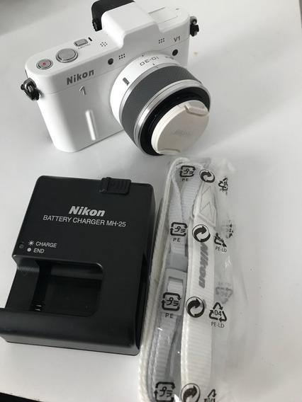 Câmera Nikon V1 Branca - Pouquíssimo Usada!