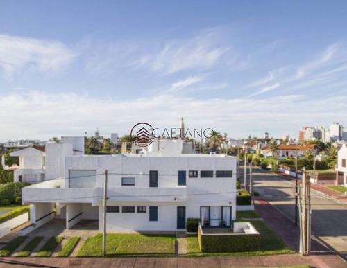 Casa En Venta En Faro De Punta Del Este- Ref: 1259