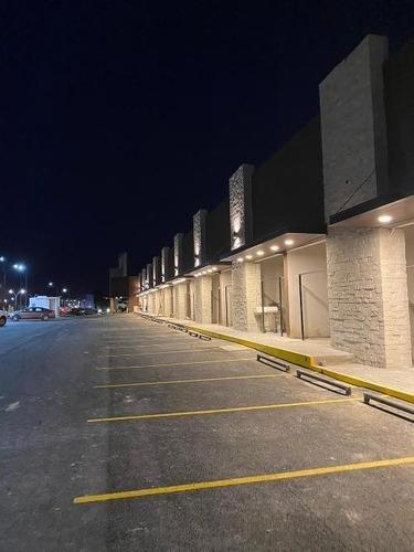 Imagen 1 de 4 de Plaza Cañadas Nuevo Local En Cañadas Del Lago