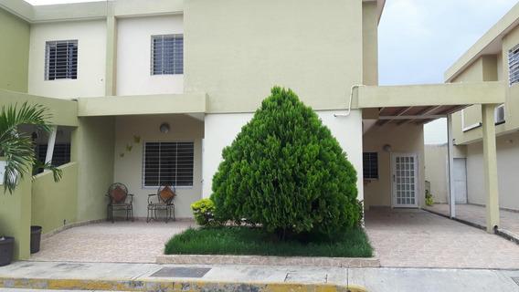 Casa En Venta El Trigal 19-8099