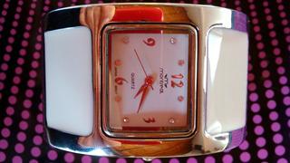 Reloj Brazalete Mujer Montreal Metálico