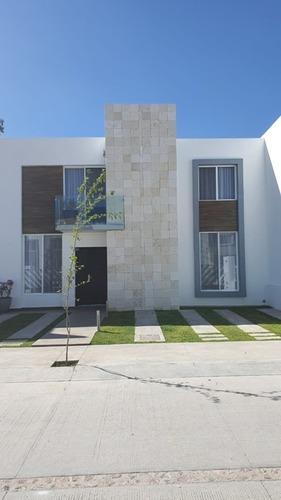 Hermosa Casa En Renta Cavalia Residencial