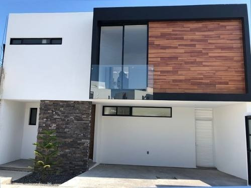 Se Vende Hermosa Residencia En Zibatá, 3 Recámaras, Jardín, 3.5 Baños, C.200 M2