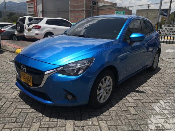 Mazda 2 Touring Automático 2016