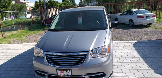 Chrysler Town & Country Li