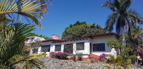 Casa Sola En Lomas De Atzingo / Cuernavaca - Gsi-1046-cs