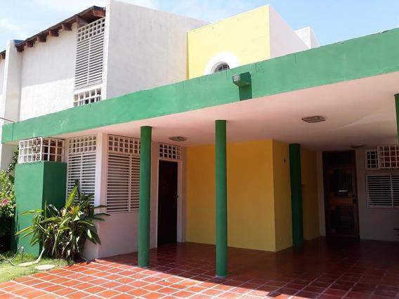 Townhouse En Alquiler Acuarelas Del Sol Bg