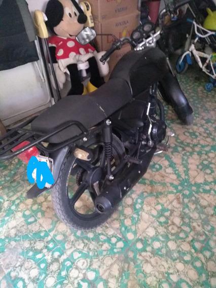 Italika F150 Negra
