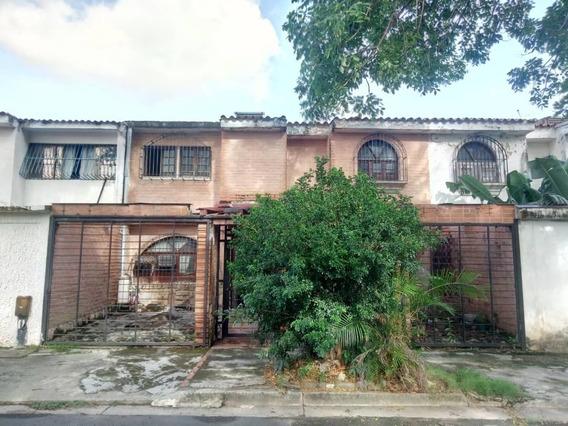 Casa En Venta En El Trigal Norte Valencia Cod 19-13359 Ar