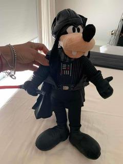 Peluche Woofy Vestido De Star Wars Con Capa Y Sable O Espada