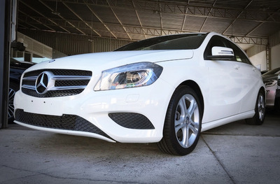 Mercedes-benz A 200 Turbo Urban Aut 1.6. Branco 2014/14