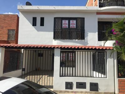 Se Alquila Casa En Ciudad 2000