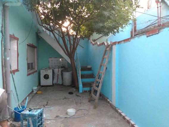 Casa De Un Dormitorio Y Patio Independiente