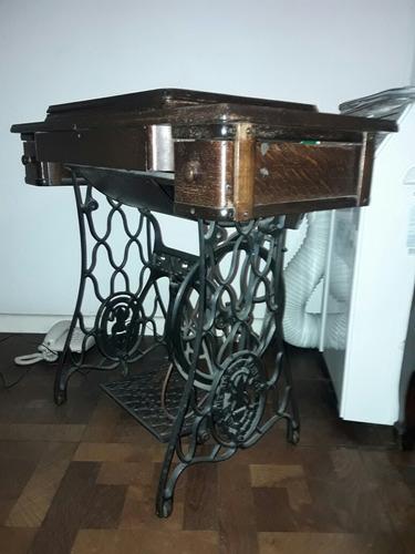 Máquina Singer Con Mesa Desplegable (antigua) - Excelente