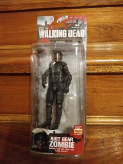 The Walking Dead Gas Mask Zombie Mcfarlane