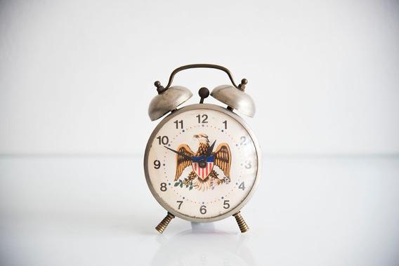 Reloj Despertador De Cuerda Americano Marca Roberts Haw