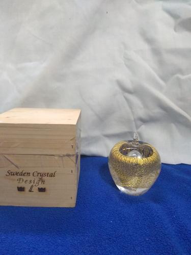 Imagen 1 de 2 de Adorno En Cristal Sueco Con Polvo De Oro