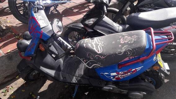 Moto Qingqi 125 Scooters